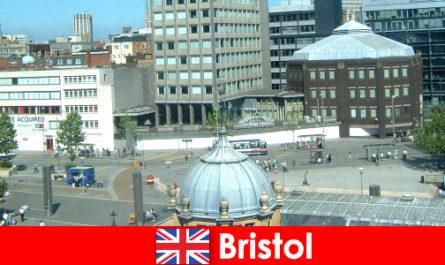 Visite de la ville de Bristol en Angleterre pour les vacanciers en voyage