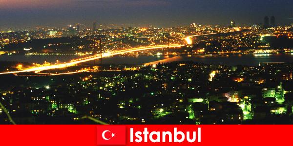 La grande ville d'Istanbul vaut toujours le détour pour les touristes