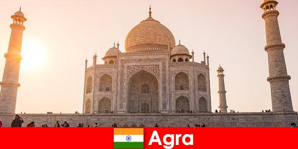 Complexes de palais impressionnants à Agra en Inde est une astuce de voyage pour les vacanciers