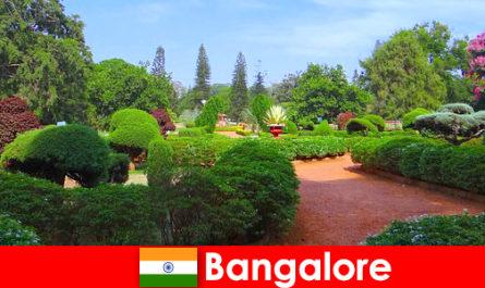 Les vacanciers de Bangalore adorent les magnifiques parcs et jardins apaisants