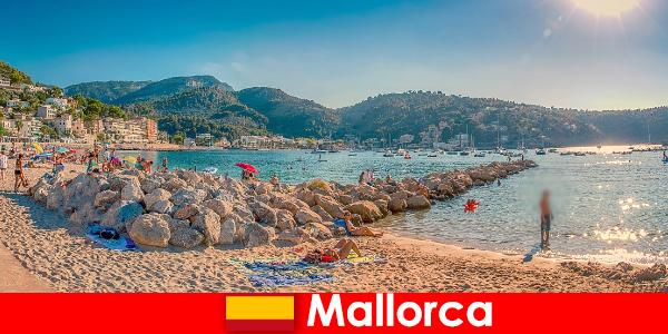 Majorque avec le célèbre mile de fête et de belles plages