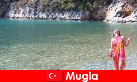 Vacances à la plage à Mugla, l'une des plus petites capitales provinciales de Turquie