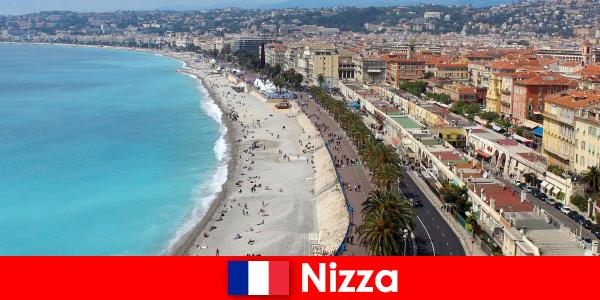 Découvrez la plage de rêve de Nice en France