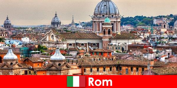 Rome Métropole cosmopolite avec de nombreuses églises et chapelles, point de départ pour les étrangers