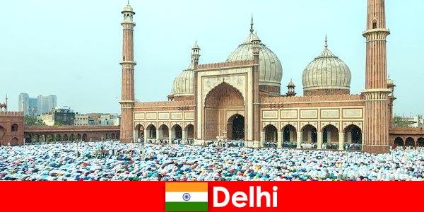 Delhi est une métropole du nord de l'Inde avec des bâtiments musulmans de renommée mondiale