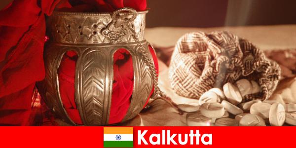 Les monuments et les temples convainquent les nouveaux visiteurs avec leurs beautés de Calcutta