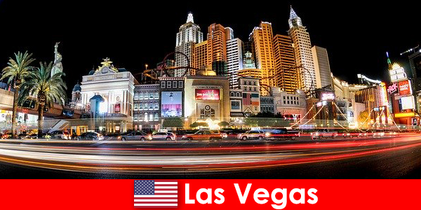 Las Vegas, capitale mondiale du divertissement, ravit les étrangers avec sa vie nocturne
