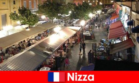 Nice propose des restaurants confortables et des lieux de vie nocturne bien fréquentés pour les étrangers