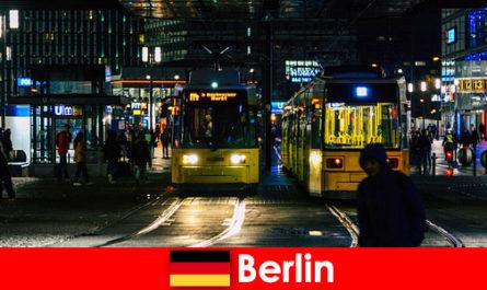 Prostitution à Berlin avec des putes d'escorte chaudes de la vie nocturne