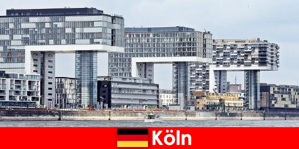 Les imposants immeubles de grande hauteur de Cologne surprennent les étrangers