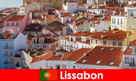 Lisbonne, la principale destination de voyage de la ville côtière avec soleil sur la plage et cuisine délicieuse