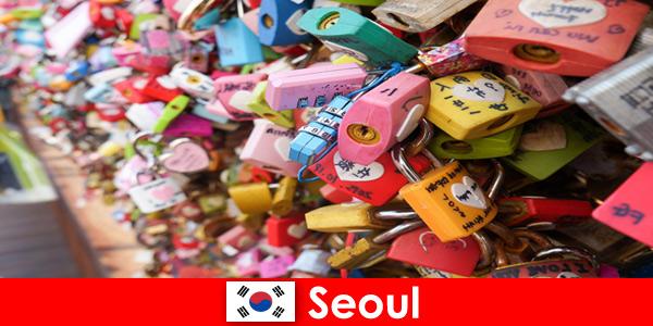 Un voyage de découverte pour des inconnus dans les rues branchées de Séoul en Corée