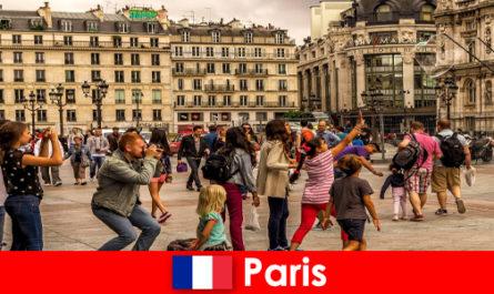 La plupart des étrangers viennent à Paris pour faire connaissance